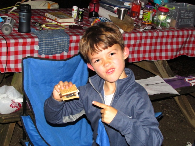 eating-smores-the-family-glampers