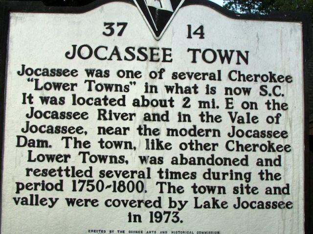 Lake Jocassee Marker - The Family Glampers