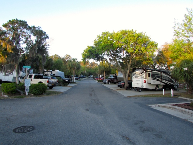 Hilton Head Harbor sites - The Family Glampers